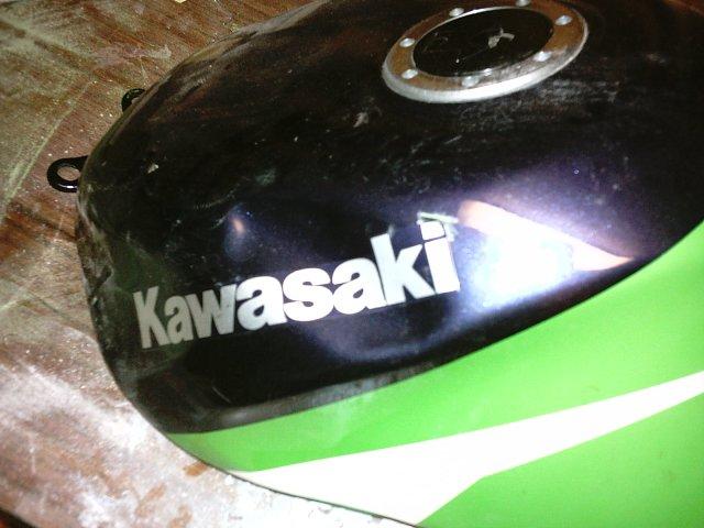 Préparation de la saison piste 2008 ( ZX6R 98 et 99 inside ) IMAG0415