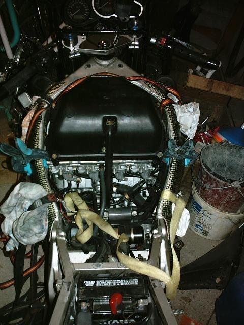 Préparation de la saison piste 2008 ( ZX6R 98 et 99 inside ) - Page 4 IMAG0557
