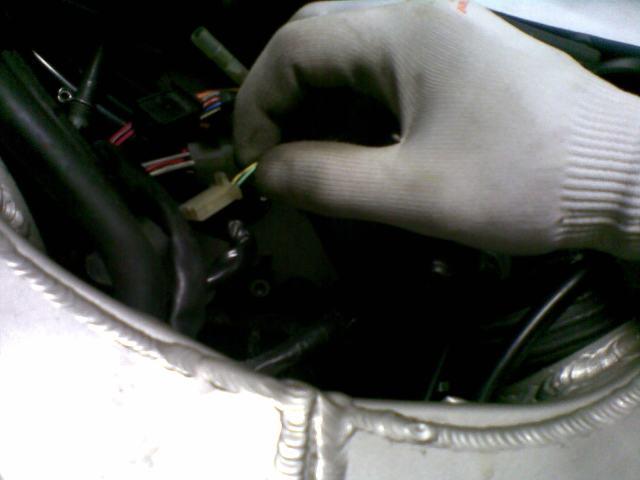 Préparation de la saison piste 2008 ( ZX6R 98 et 99 inside ) - Page 12 Photo034