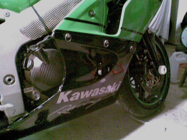 Préparation de la saison piste 2008 ( ZX6R 98 et 99 inside ) - Page 12 Photo039