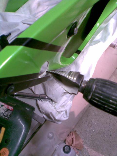 Préparation de la saison piste 2008 ( ZX6R 98 et 99 inside ) - Page 12 Photo044