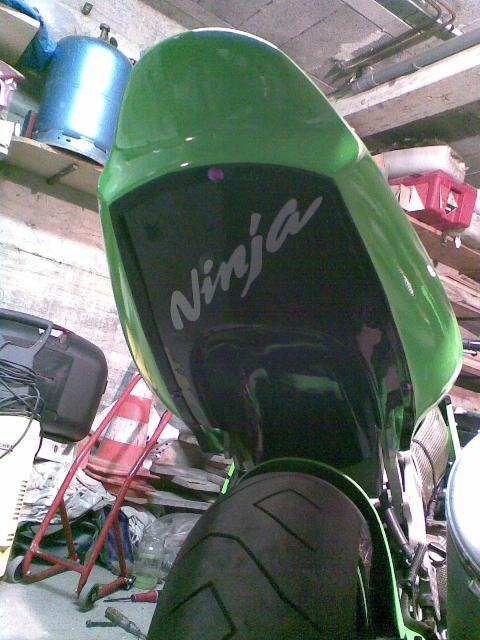 Préparation de la saison piste 2008 ( ZX6R 98 et 99 inside ) - Page 12 Photo051